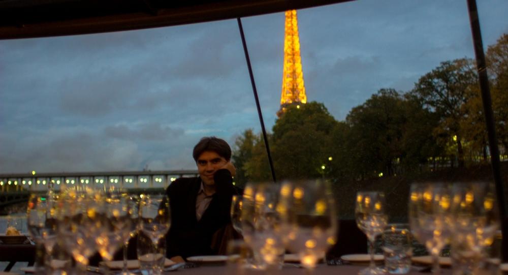Tekneden Eiffel Kulesi